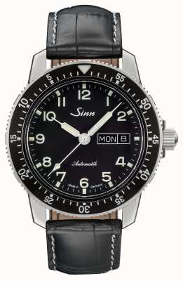 Sinn 104 st is een klassiek pilotenhorloge zwart lederen band 104.011 LEATHER