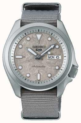 Seiko 5 sport cement 40 mm nato band horloge SRPG63K1